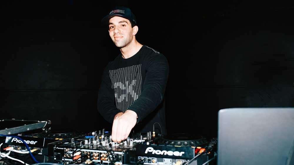 Central Coast DJ Bass Sick smile